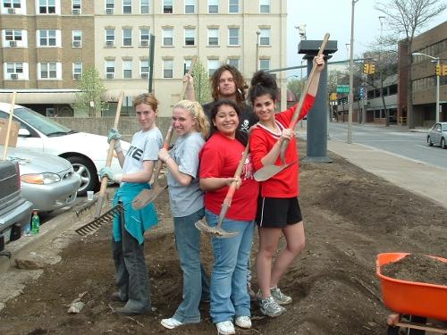 Rain Garden Volunteers, Jr. PLEWA